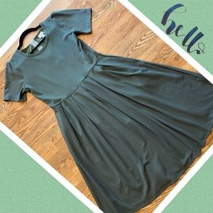 💚LuLaRoe Amelia Dress ~ Size Large!💚